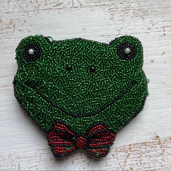 Frog W/ Bow Tie Glass Beaded Green Coin Purse